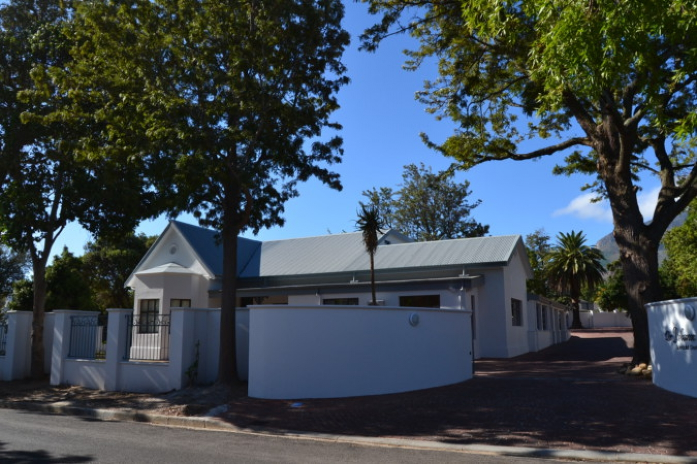 Lochner Specialized Dental Practice, Somerset West