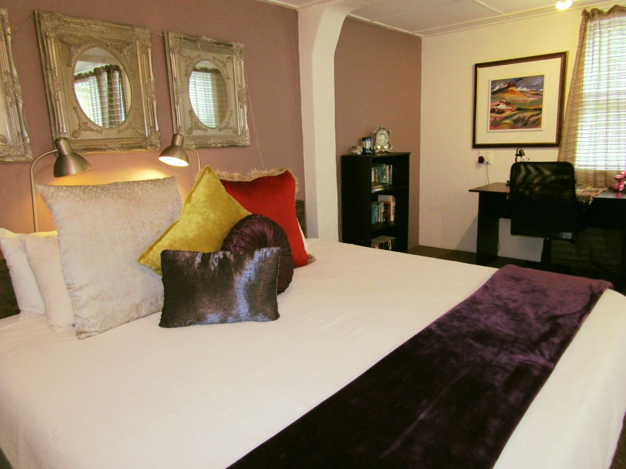 Furnished and serviced rooms