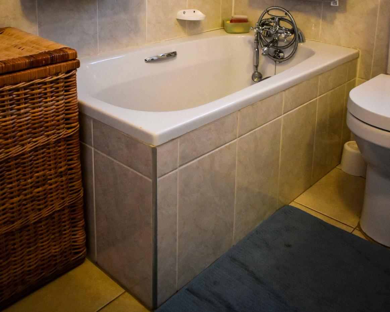 Serenitas Double Unit Bathroom Bath