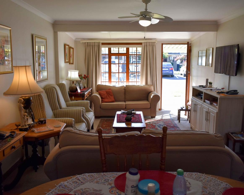 Serenitas Double Unit Lounge Front View
