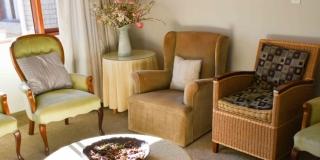 Serenicare Frail Care Lounge Side Angle